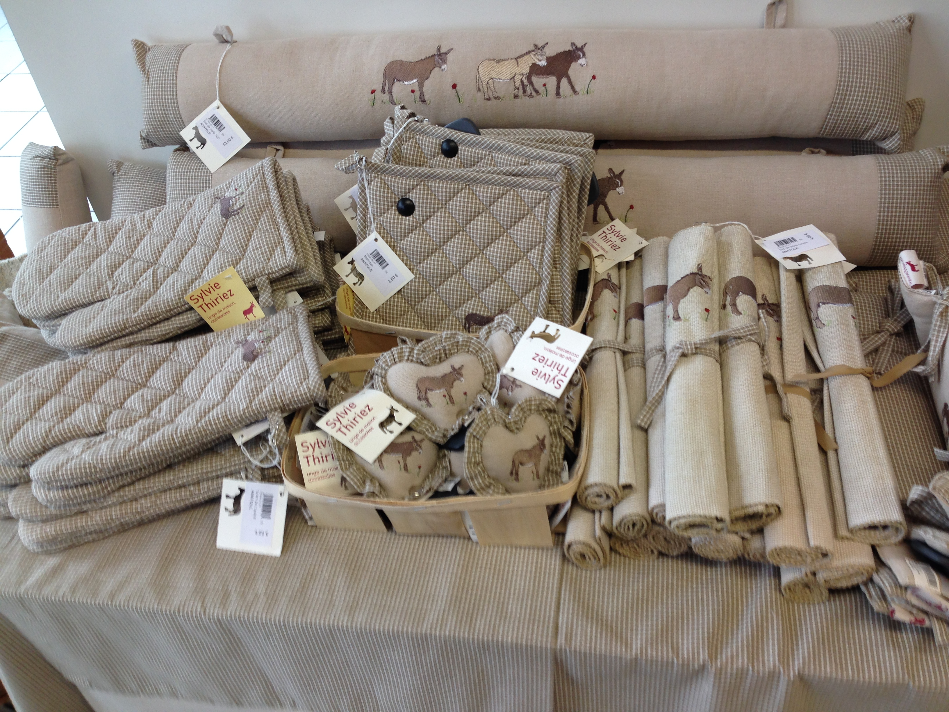 sylvie thiriez magasin d 39 usine. Black Bedroom Furniture Sets. Home Design Ideas